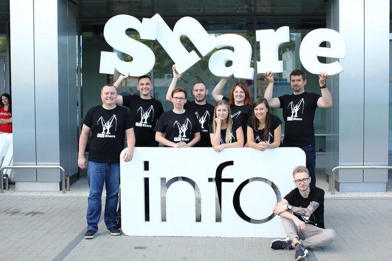infoShare_team.jpg
