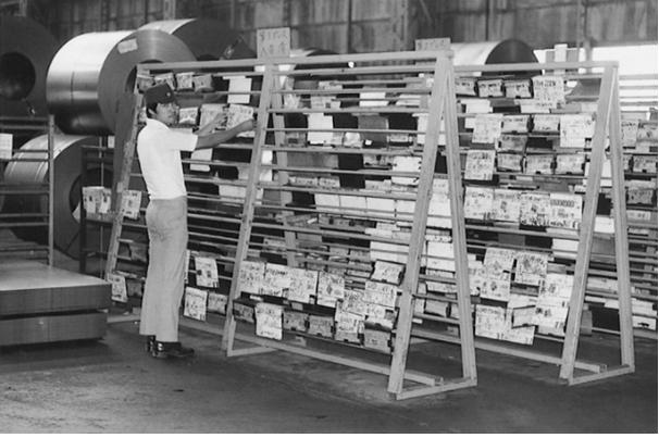 Tablica kanban w fabryce Toyoty. Źródło: http://www.toyota-global.com