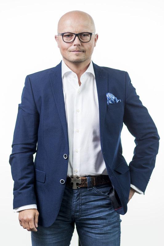 Piotr Bochenek - członek zarządu.jpg
