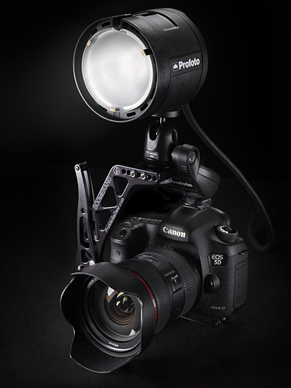 Profoto-2337_Profoto-901108-B2-Inspiring-Product-Image-On-Camera-w-Bracket-hpr.jpg