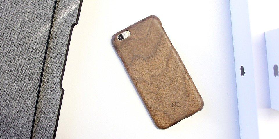 iphone-7-6-holzcase-huelle-duenn-echtholz-schutzhuelle-x-kevlar-woodcessories-schutz5.jpg