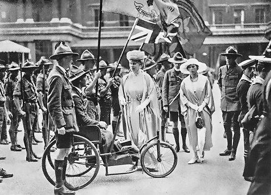 1920-wj1-sa-cecil-sims-&-queen - Kopia.jpg