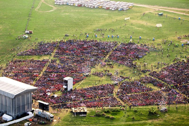 48.400 people... 6011628866 - Kopia.jpg
