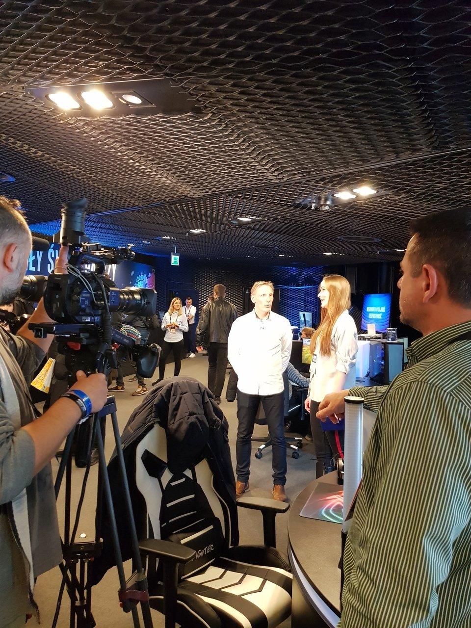 Hans Jurgen Werner, dyrektor ds. strategii marketingowej i kampanii rozwiązań klienckich w Intelu, oraz Agnieszka Borysiuk z Onetu