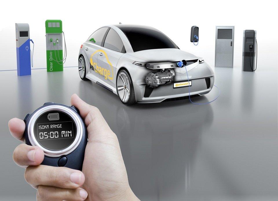 System AllCharge łączy w sobie silnik elektryczny i przemiennik, czyli tworzy system całkowitego ładowania.