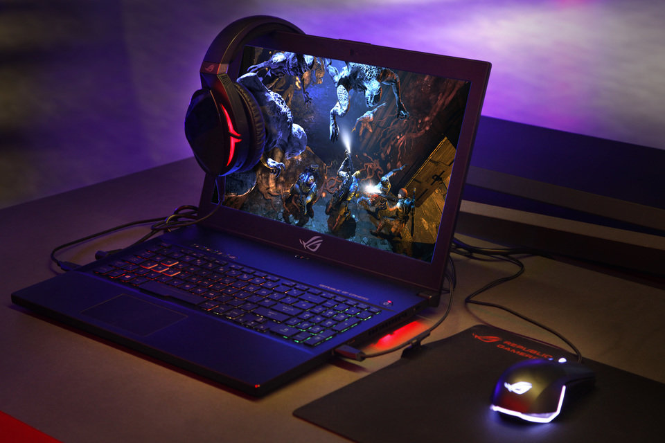ROG Zephyrus M_Gm501_Scenario Photo01.jpg