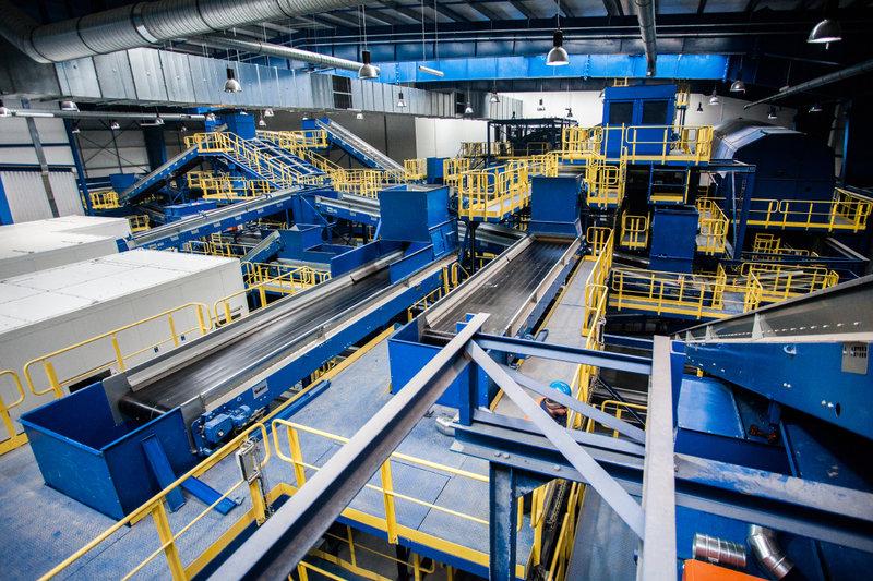 Wnętrze najnowocześniejszej w Polsce instalacji mechaniczno-biologicznego przetwarzania odpadów MBP_10.jpg