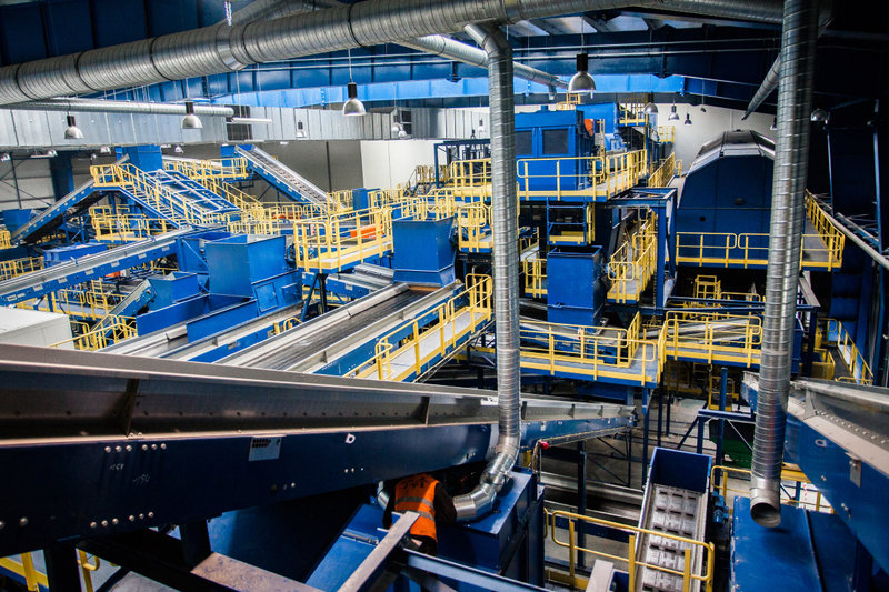 Wnętrze najnowocześniejszej w Polsce instalacji mechaniczno-biologicznego przetwarzania odpadów MBP_13.jpg