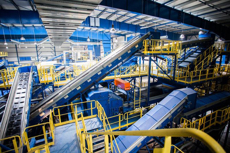 Wnętrze najnowocześniejszej w Polsce instalacji mechaniczno-biologicznego przetwarzania odpadów MBP_1.jpg
