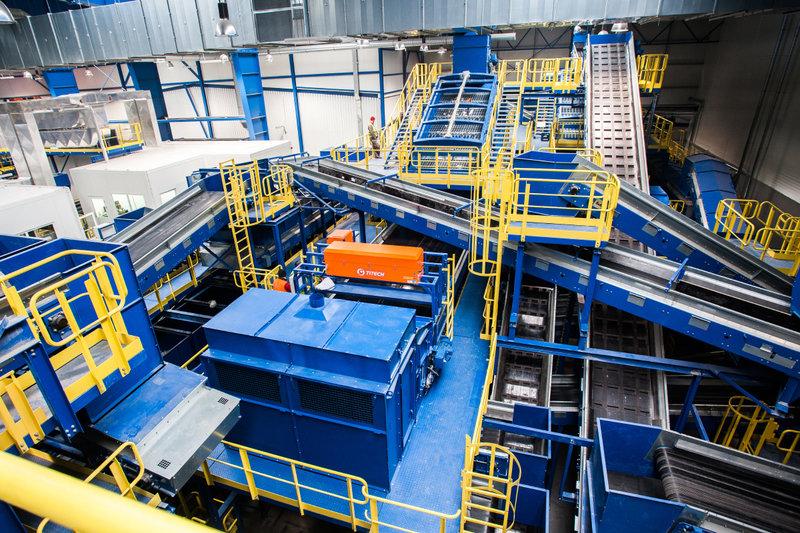 Wnętrze najnowocześniejszej w Polsce instalacji mechaniczno-biologicznego przetwarzania odpadów MBP_2.jpg