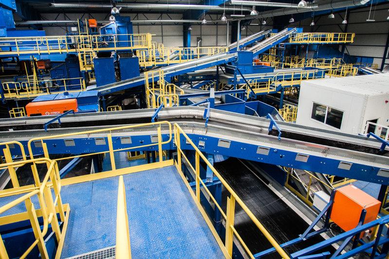Wnętrze najnowocześniejszej w Polsce instalacji mechaniczno-biologicznego przetwarzania odpadów MBP_6.jpg