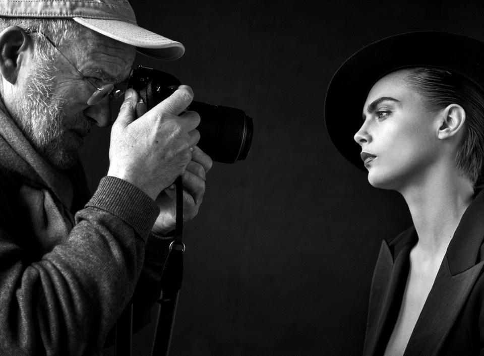 Specjalnie dla Douglas znakomity fotograf Peter Lindbergh zaprosił do współpracy międzynarodowe Top modelki i Top modeli