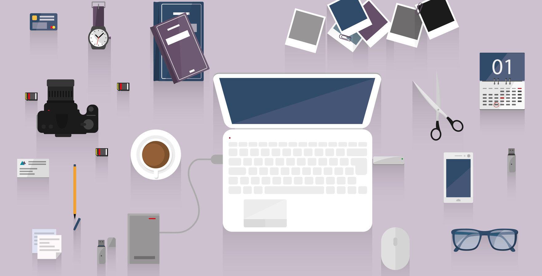 """Jak poprawić doświadczenie klienta podczas robienia zakupów online? – raport """"E-commerce"""" od Interaktywnie.com"""