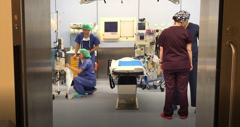 Implant prącia – nowoczesna metoda leczenia zaburzeń erekcji