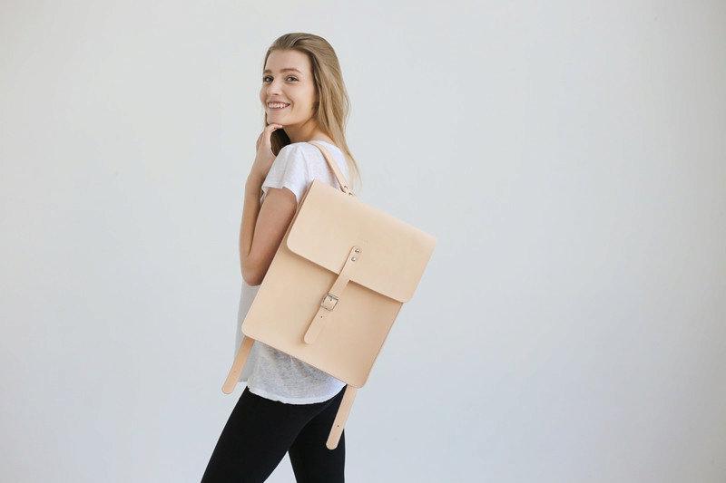 7 skórzanych plecaków nie tylko do szkoły - najnowszy trend jesieni