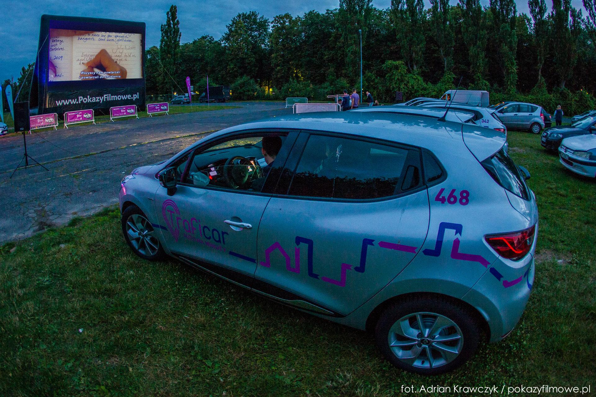 Samochodowe TrafiKino  wjeżdża do Krakowa