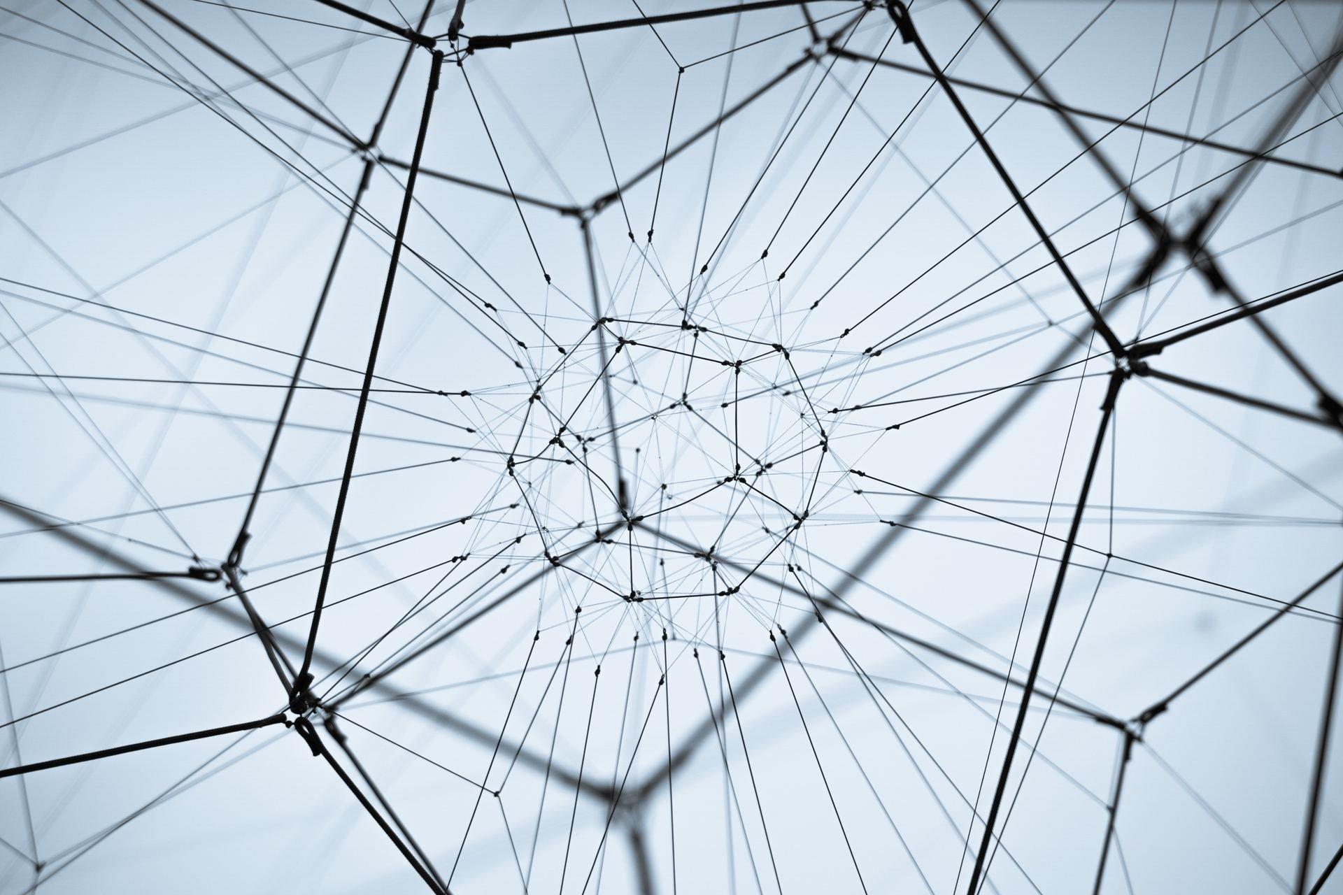 EDI w ERP dzięki umowie partnerskiej Hicron i Data Interchange