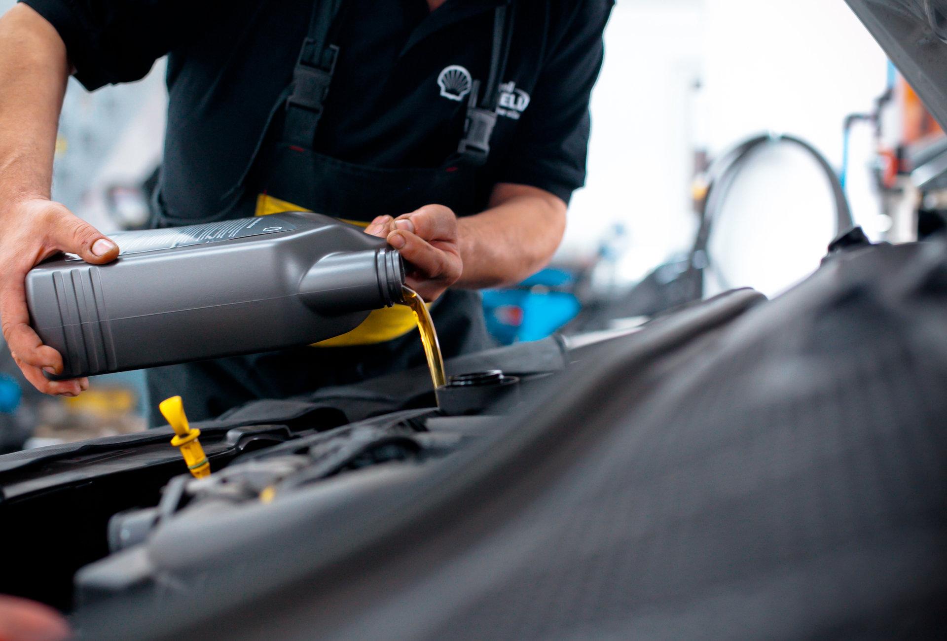 Wymiana oleju silnikowego przed zimą – dlaczego warto?