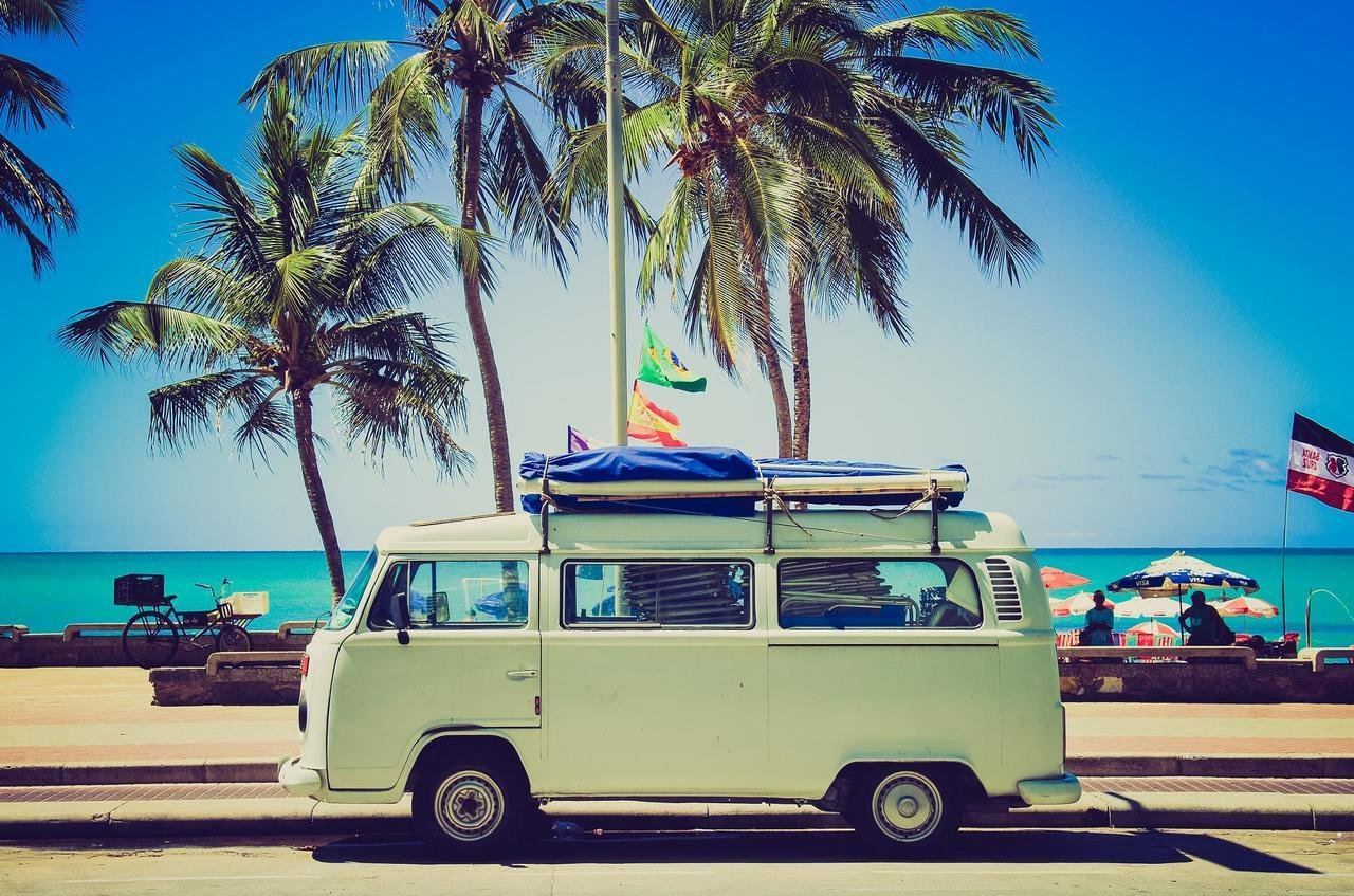 Jak wyposażyć samochód na wakacje?