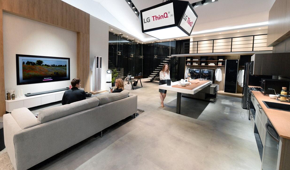 CES 2018: LG rozwija sztuczną inteligencję poprzez technologię DeepThinQ