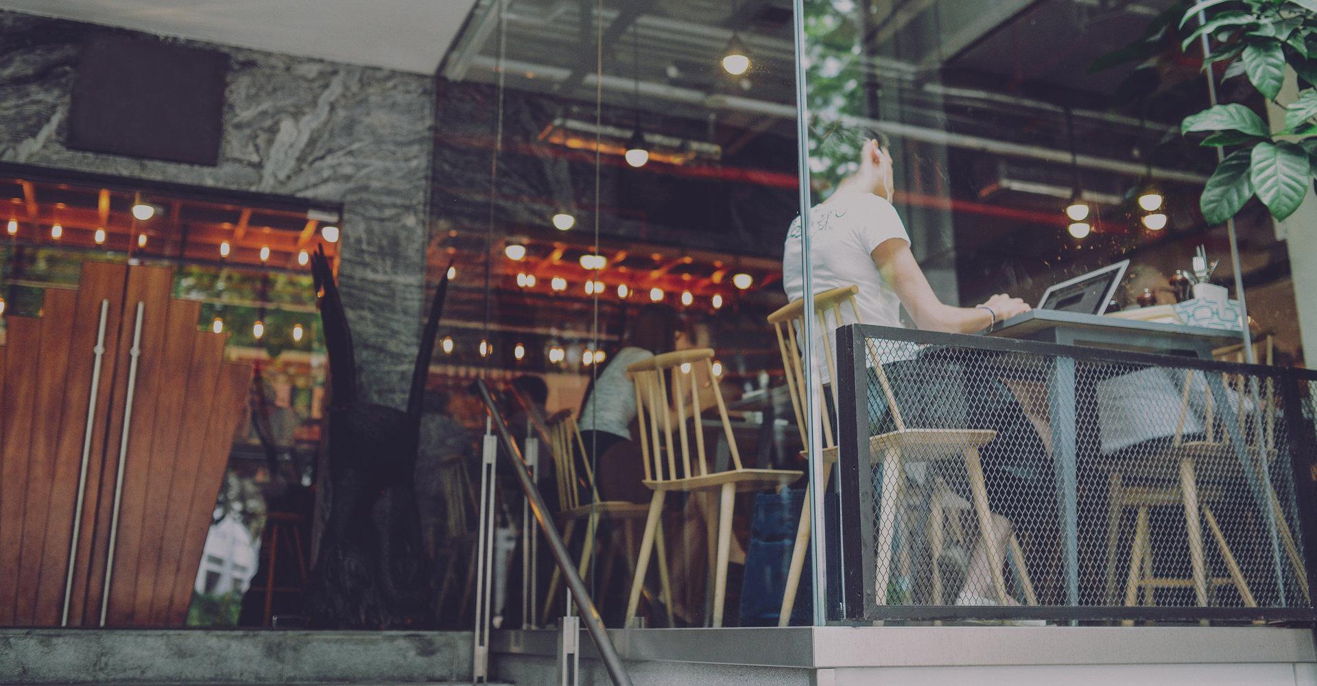 Znów stawiamy klienta na piedestale. Trenerka Customer Experience o doświadczeniach zakupowych.