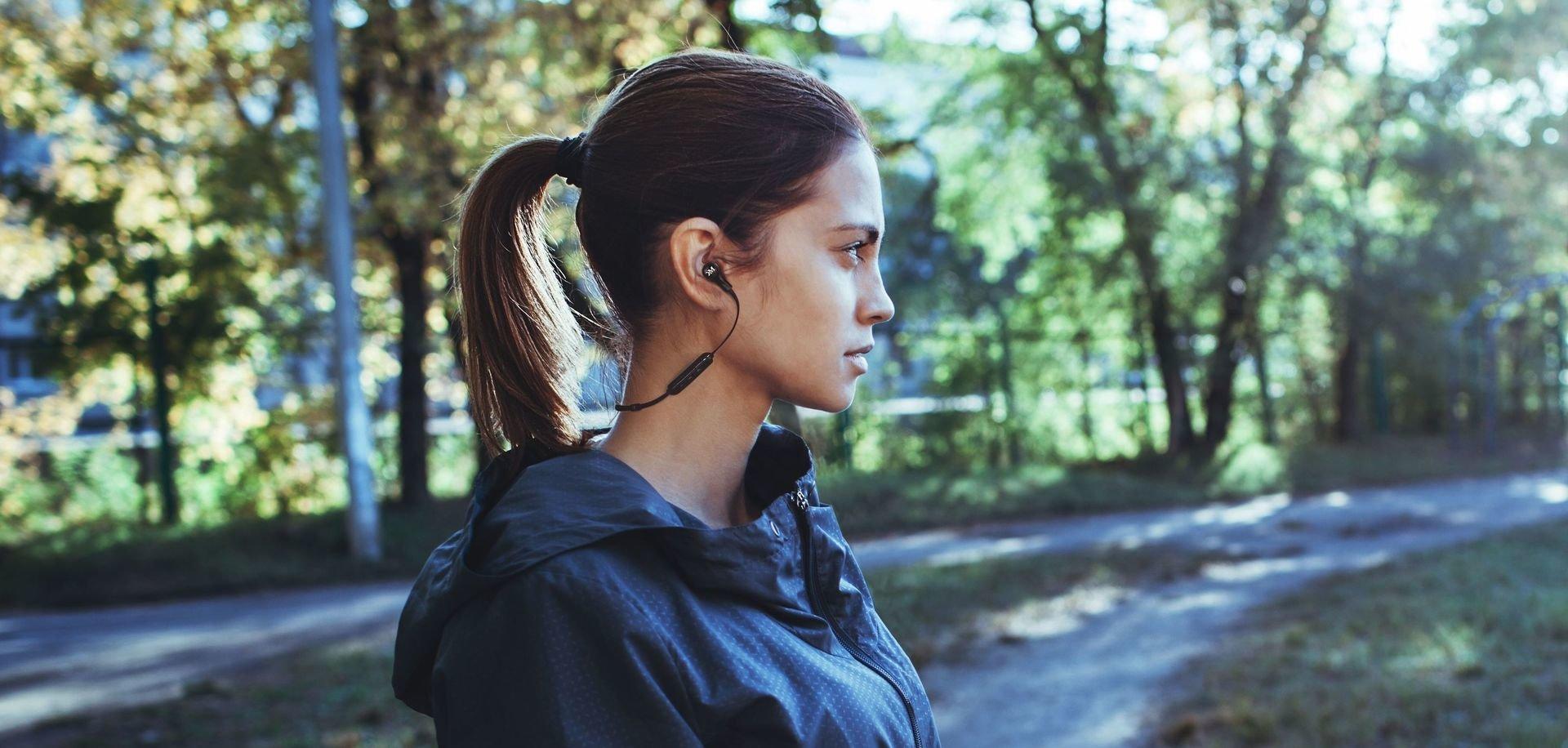 PORADNIK: Najlepsze słuchawki sportowe