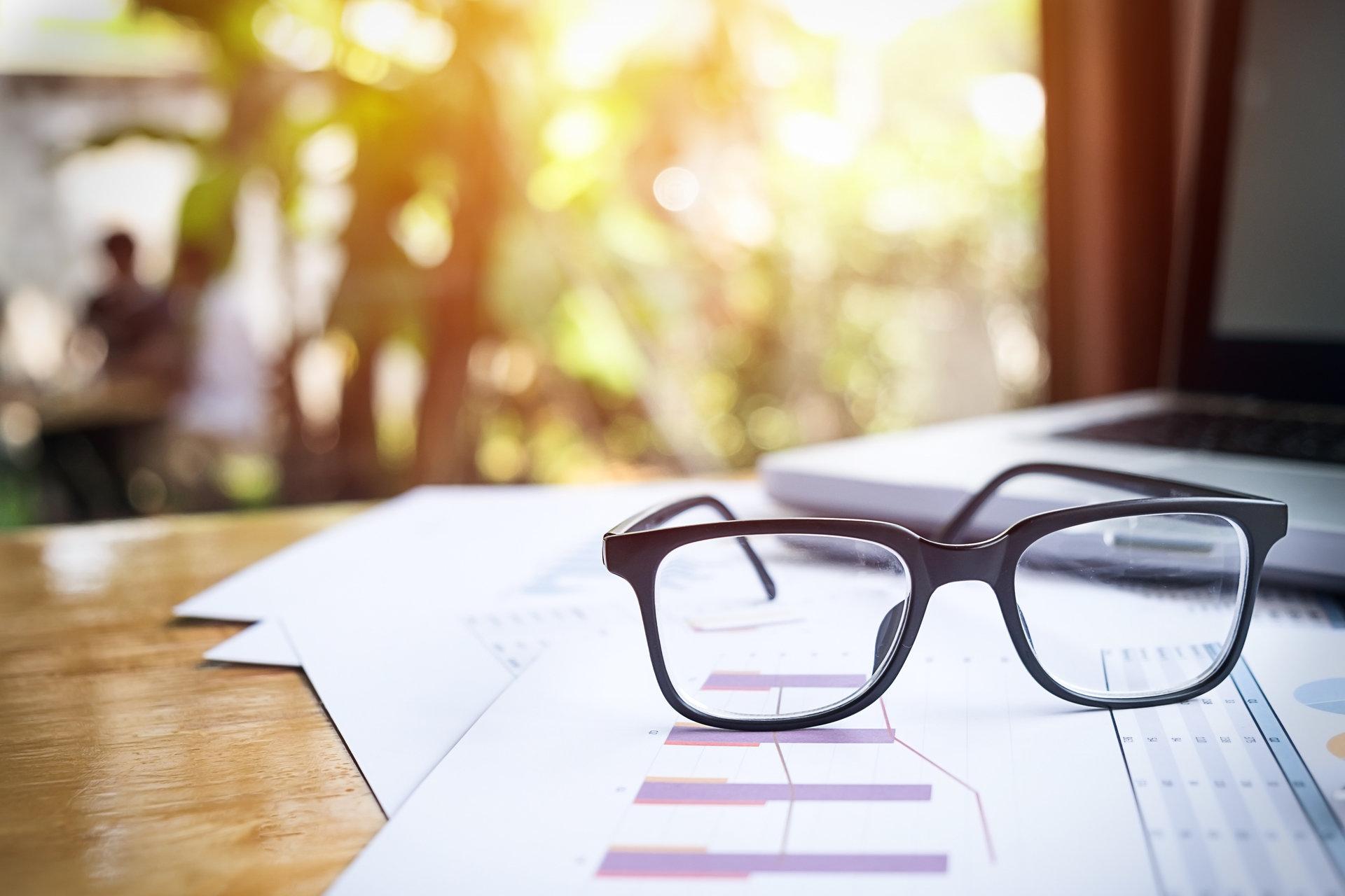 Jak dbać o oczy w czasie pracy?
