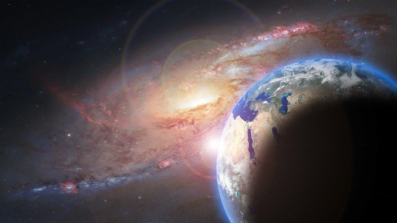 UŁ komentuje: Fizyka wieloaspektowa