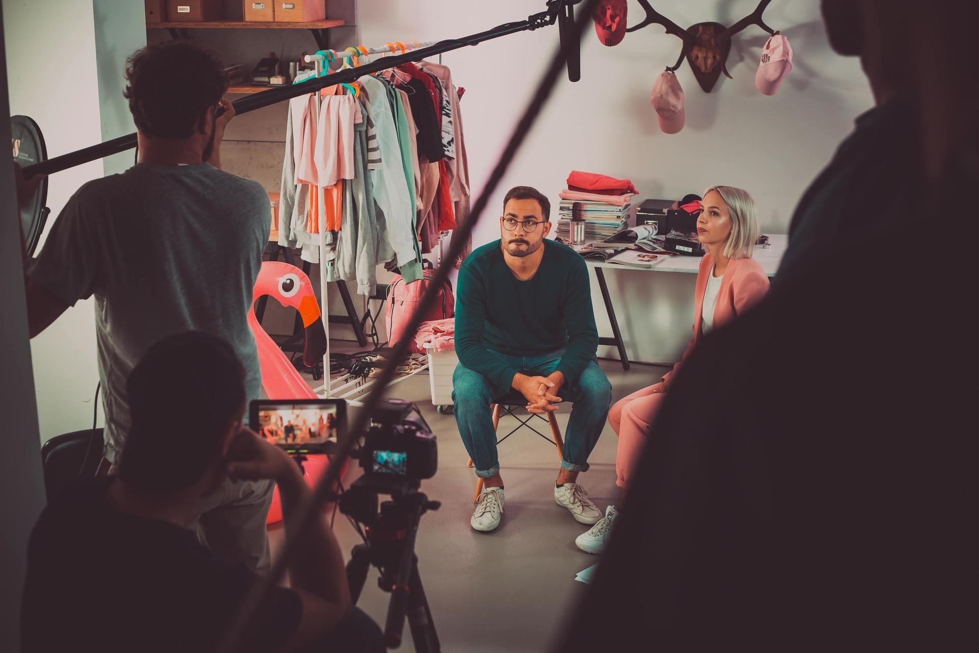 """Gordon's we współpracy z youtuberami z kanału """"Na Pełnej"""" rusza z własnym serialem na YouTube. Za produkcję i realizację kampanii odpowiada agencja LifeTube."""