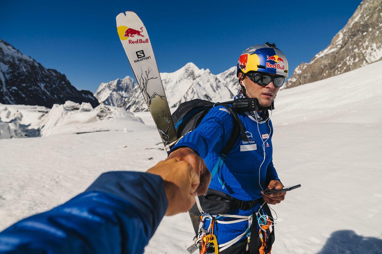 Posłuchaj jak Bargiel zdobywa K2! Niezwykłe słuchowisko z historycznej wyprawy