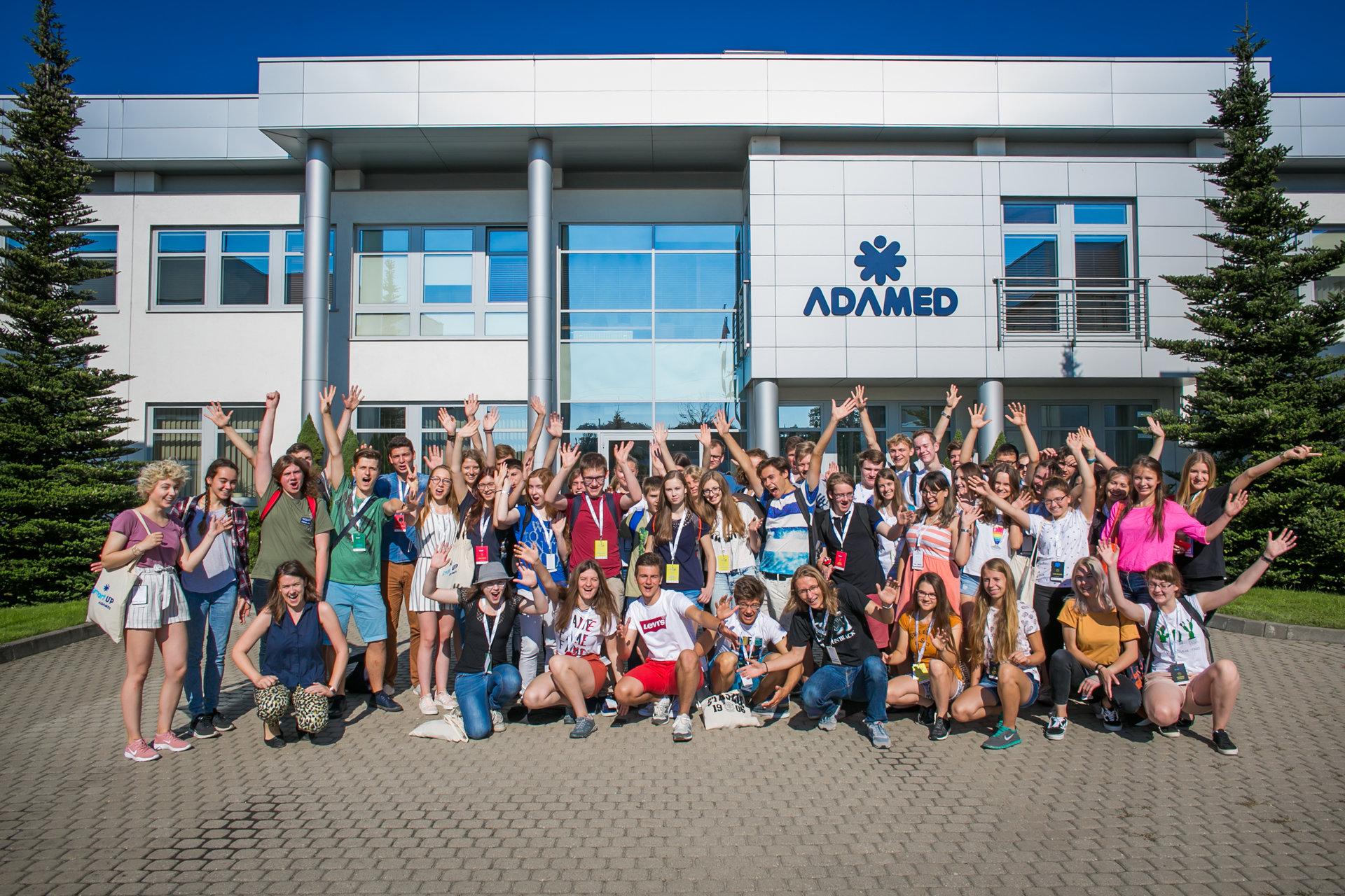 Drukowanie jedzenia i budowa samolotu – tak spędzają wakacje młodzi naukowcy z Polski