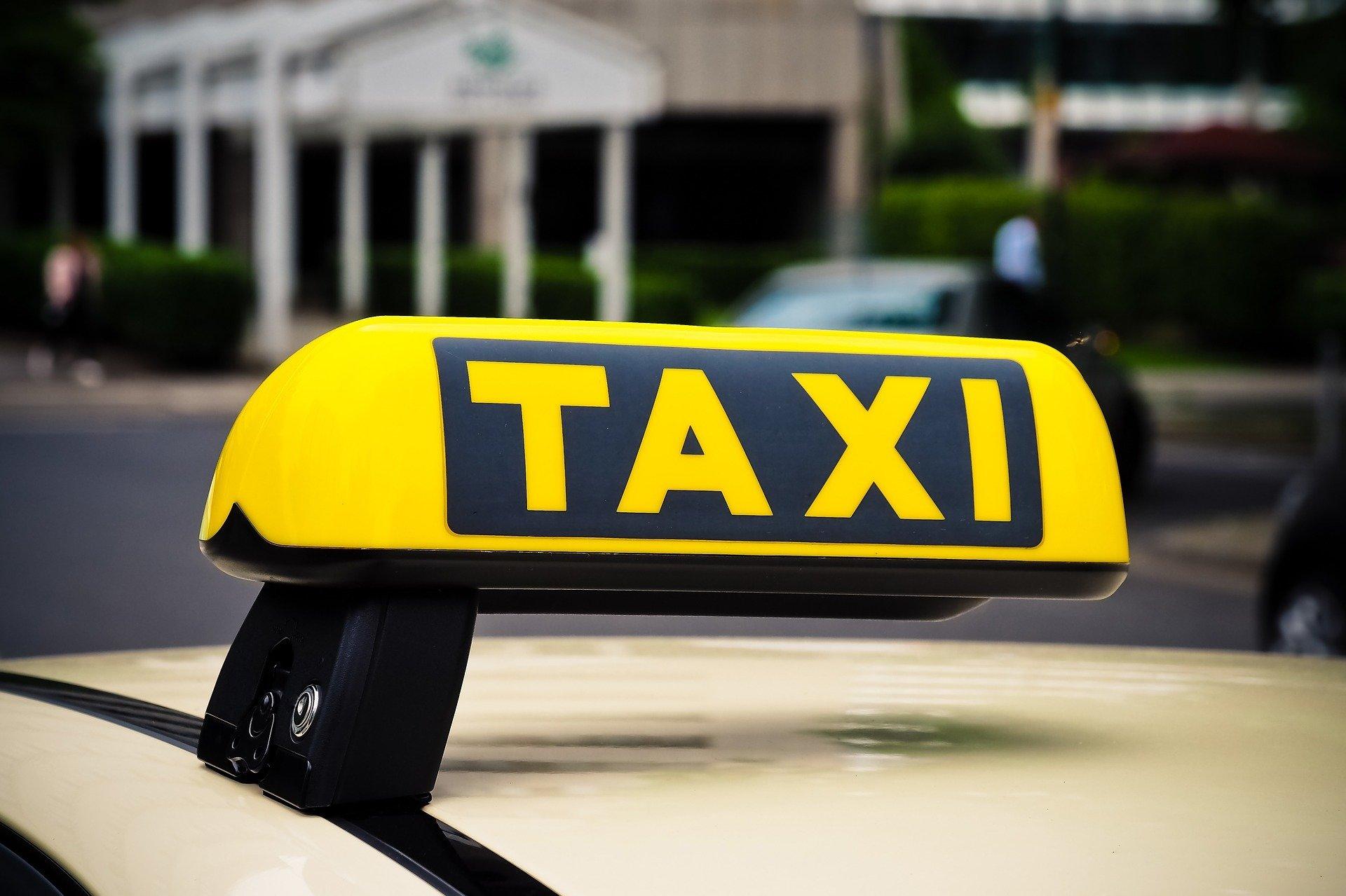 Leki na receptę dostarczy Ci taksówkarz
