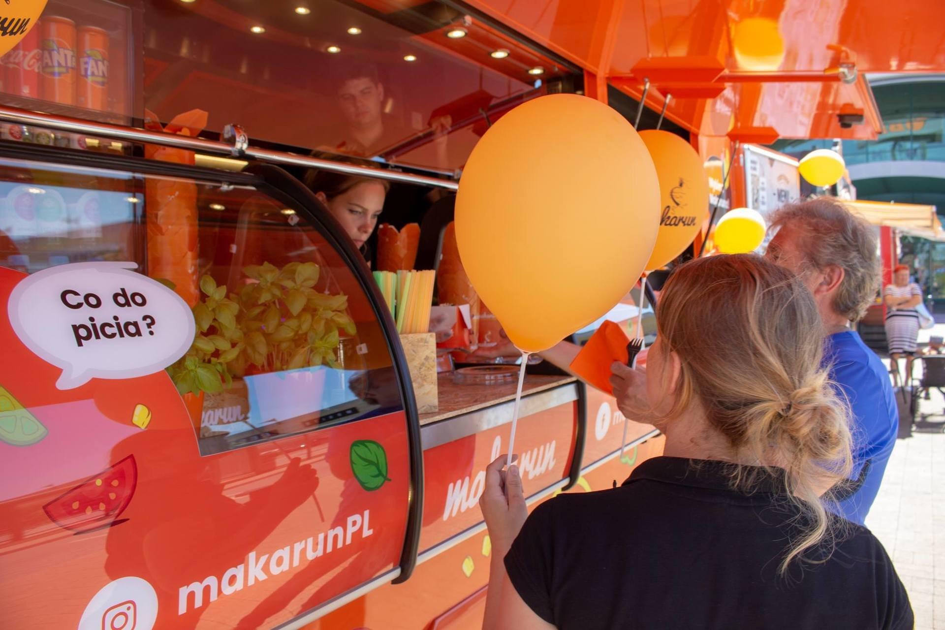 Trafiona lokalizacja makarunowego Food Trucka