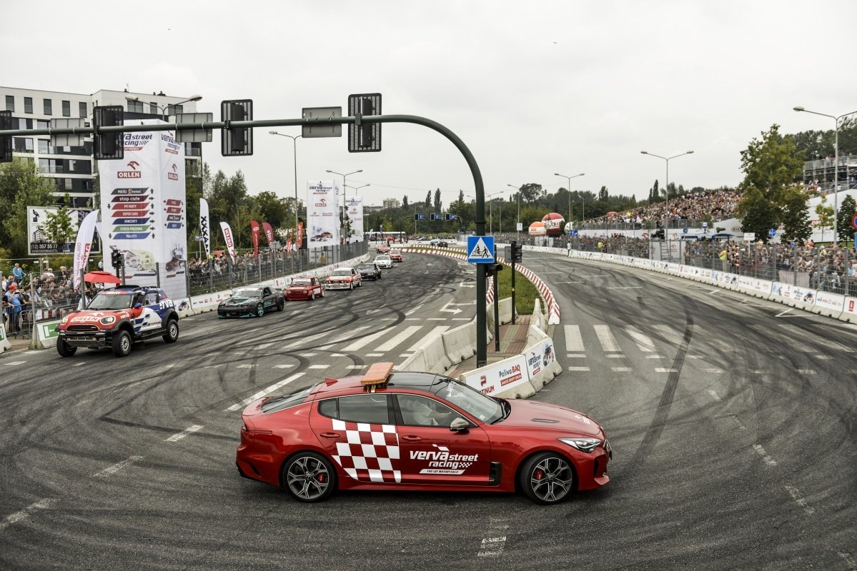 Tłumy miłośników motoryzacji na VERVA Street Racing w Krakowie