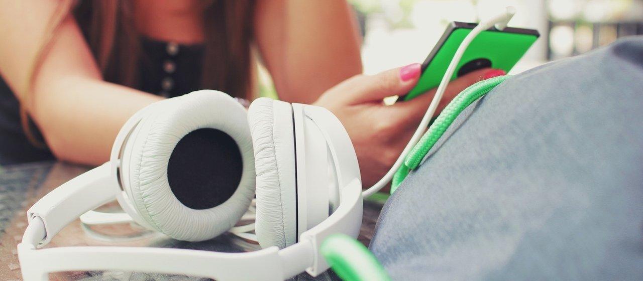 Smartfon tylko dla nastolatka?