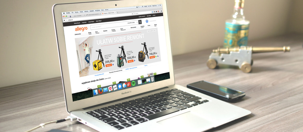 Połowa Polaków kupuje w sieci