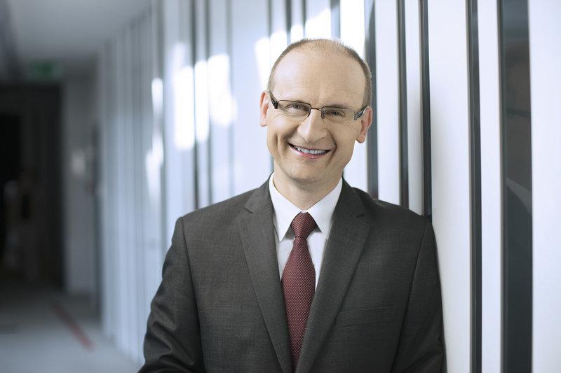 Jacek_Czernuszenko__Dyrektor_ds._CRM__transformacji_i_projekt_w_strategicznych.jpg